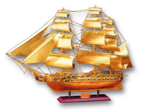 Макет корабля на дерев. подставке
