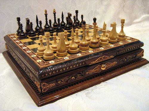 Шахматы   38 х 38 х 10 см (Ш-37К)